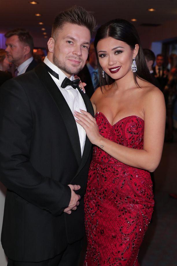 Shirly Karvinen myöntää, että ei ehkä olisi tavannut poikaystäväänsä Vertti Harjuniemeä ilman Miss Suomen titteliä.