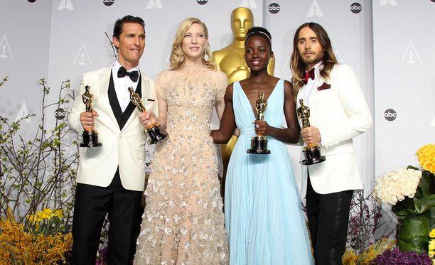 Vuoden 2014 näyttelijä-Oscareiden voittajat Matthew McConaughey, Cate Blanchett, Lupita Nyong'o ja Jared Leto. Ketkä vievät pystit tänä vuonna?