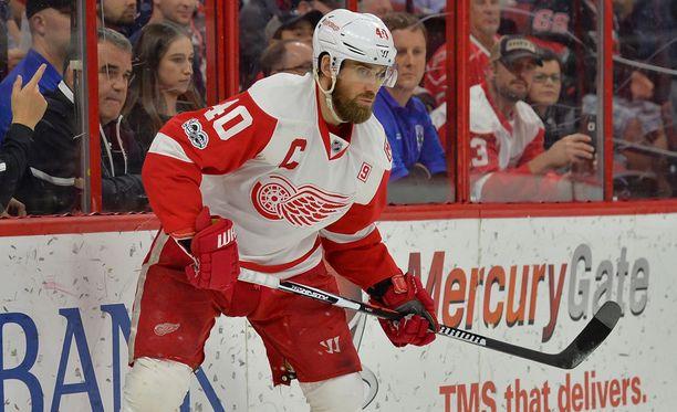 Henrik Zetterberg jää ensimmäistä kertaa NHL-urallaan pudotuspelien ulkopuolelle.
