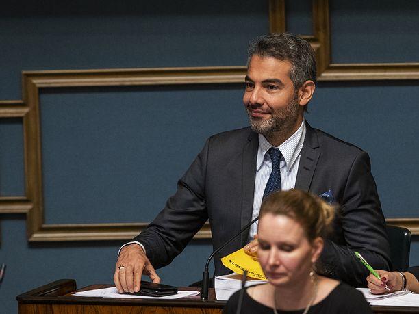 SDP:n kansanedustaja Hussein al-Taee on huolissaan Suomessa asuvista kiinalaisista vähemmistöpakolaisista.
