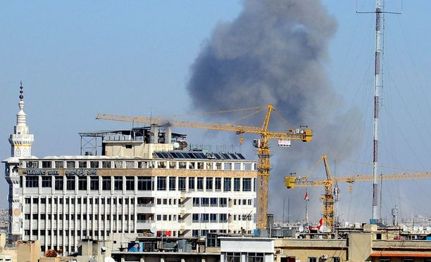 Syyrian pääkaupungissa Damaskoksessa kapinalliset ja jihadistit kävivät sunnuntaina kiivaita taisteluita.