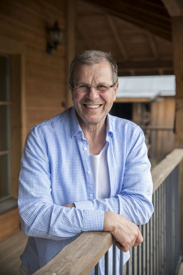 Robert Lappalainen asuu nykyään yksin maatilallaan. Nyt maatila on myynnissä. - 250 neliön kokoinen talo on minulle aivan liian iso.