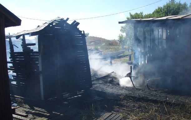 Tuli tuhosi 20 neliön kokoisen savustamon kokonaan.