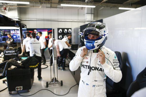 Valtteri Bottas ajoi kisan voittoon Suzukassa sunnuntaina.