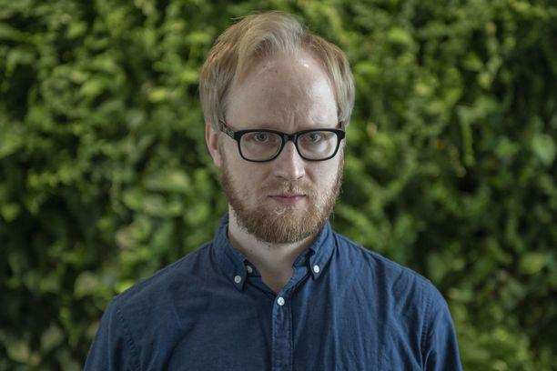 Toimittaja ja tietokirjailija Pekka Vahvanen.