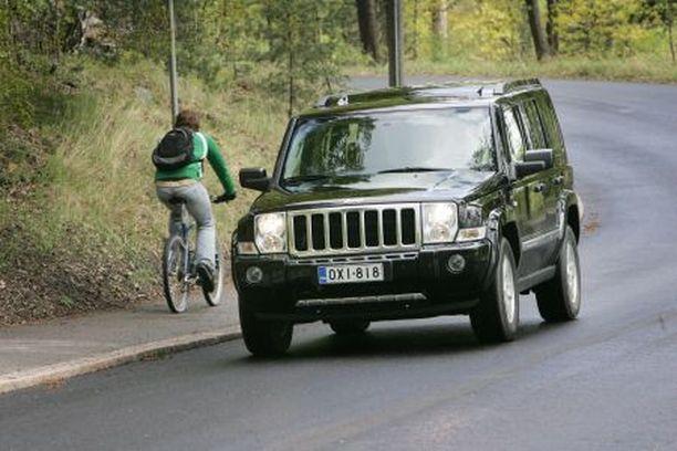 Uusi iso Jeep on jyhkeä ilmestys, jonka ulkonäkö ja käyttötarkoitus jakaa mielipiteet.