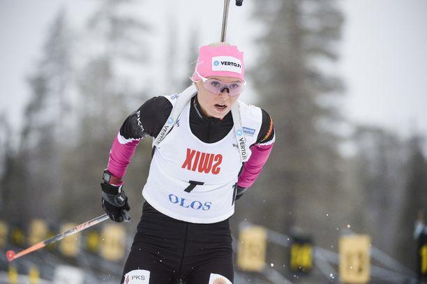 Mari Eder pudotti torstaina seitsemän taulua kymmenestä Oloksen leirikilpailussa Muoniossa ja voitti tapahtuman. Kaisa Mäkäräinen ei ollut mukana.