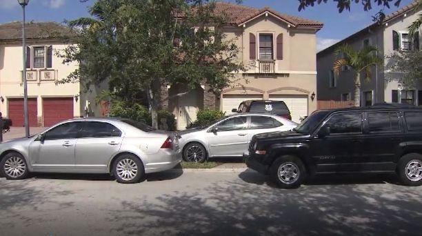 Perhe asui Miami-Dadessa lähellä Homesteadia.