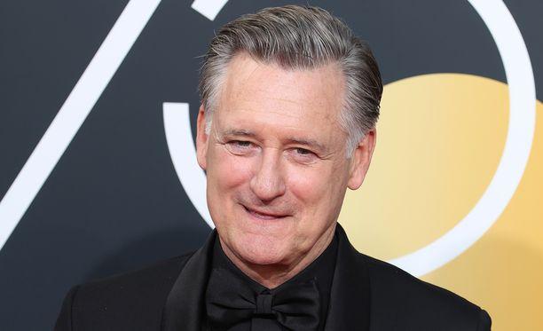Alkuvuodesta Bill Pullman kuvattiin Golden Globe -gaalan punaisella matolla Beverly Hillsissä.