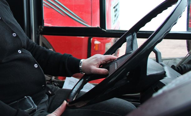 Kyseessä on EU:n hanke, missä tutkitaan kuskittomien pikkubussien käyttämistä osana joukkoliikennettä.