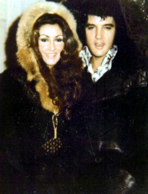 Priscilla Presley ja Elvis Presley saivat yhden lapsen, Lisa Marien.