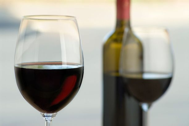 Alkoholinkäyttö Suomessa ja muissa Pohjoismaissa on vielä kaukana eteläeurooppalaisista tavoista.