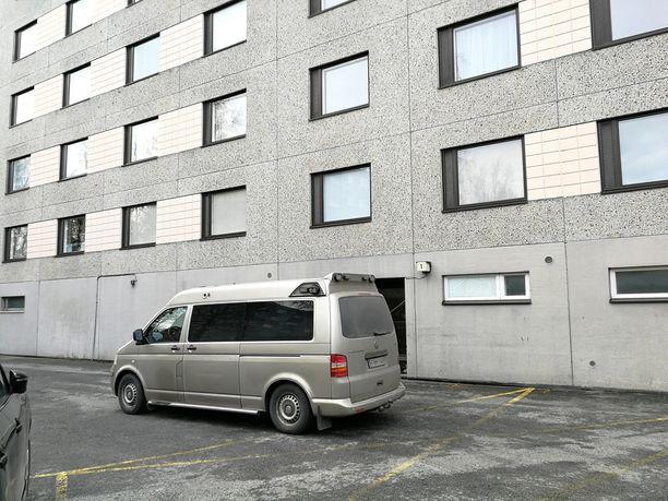 Eläkeikäinen aviopari löydettiin tapettuna Porin Pihlavassa sijaitsevasta kodista.