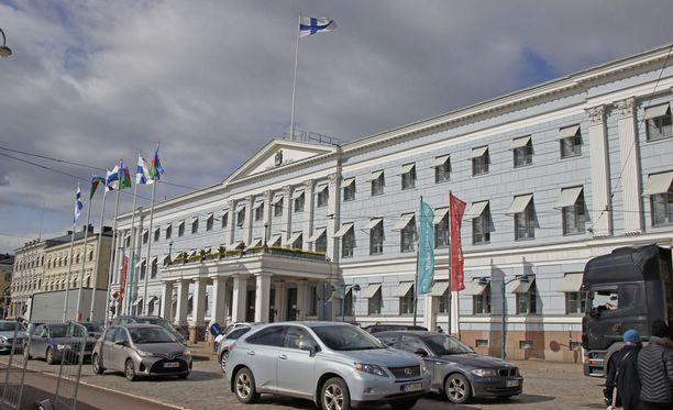 Uutissuomalaisen mukaan pormestarimalli kiinnostaa yhä enemmän suomalaiskunnissa. Kuvassa Helsingin kaupungintalo.