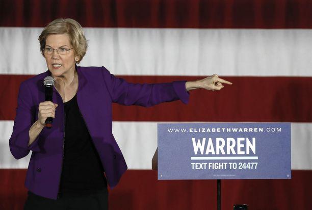 Senaattori Elizabeth Warren puhui kampanjatilaisuudessa Long Island Cityssä maaliskuussa.