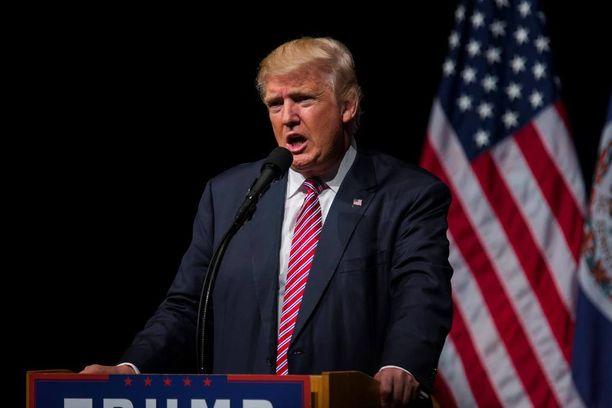 Donald Trump on MSNBC-televisiokanavan mukaan kysynyt, miksei USA saa käyttää ydinaseita.