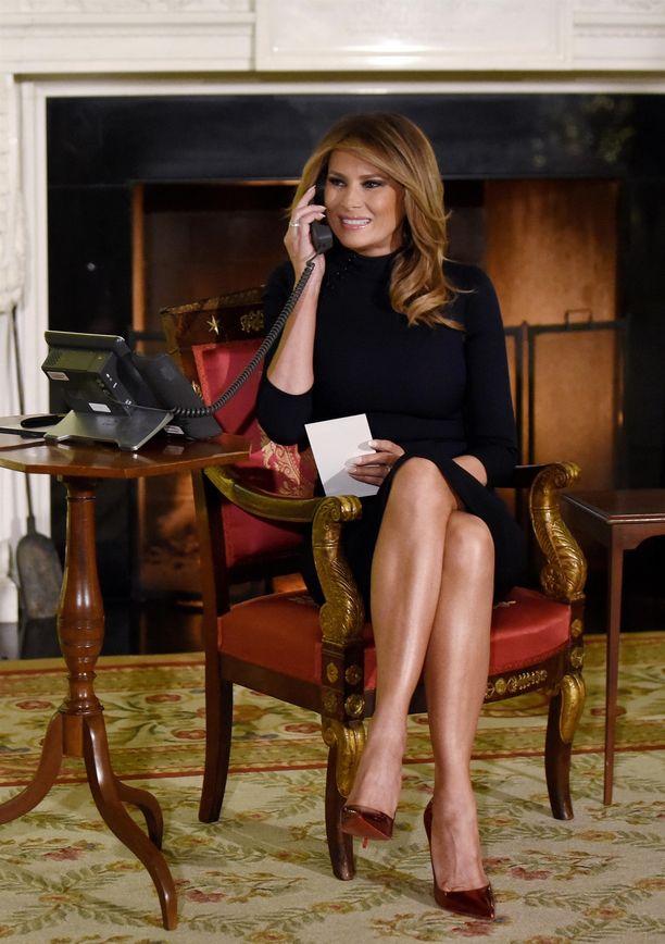 Melania Trumpin tyyli hymyä myöten lienee toiminut Kimberly Guilfoylen innoittajana.