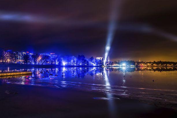 Luminous-tapahtuma alkoi jo vuodenvaihteessa, kun Helsingin Töölönlahti sai komeat juhlavalot.