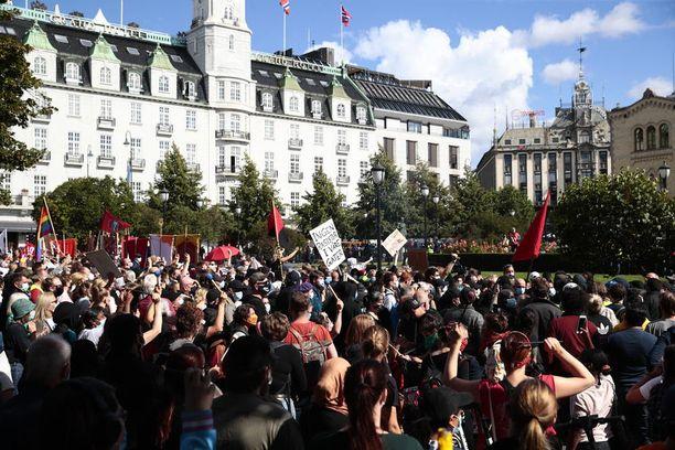 Elokuun lopussa pidetyt mielenosoitukset ovat voineet heikentää Oslon koronatilannetta.