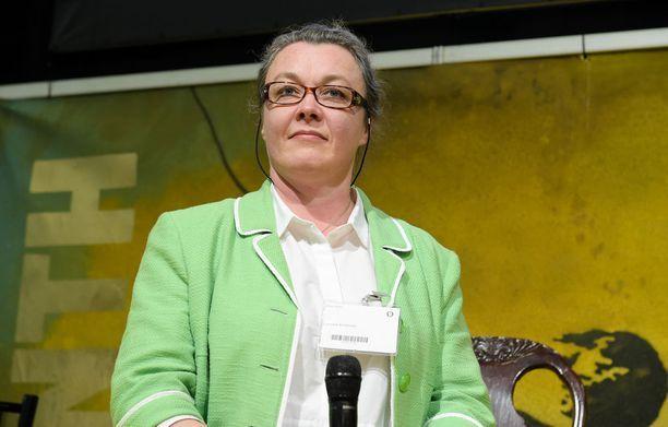 Toimittaja Johanna Korhonen on Maahenki Oy:n kustantaja ja toimitusjohtaja.