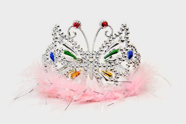 Kruunu, tiara, diadeemi, pääkoriste?