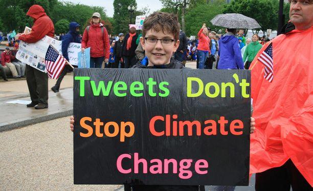 Yhdysvalloissa järjestettiin Donald Trumpin valtaantulon jälkeen March for science -mielenosoitus tieteen puolesta.