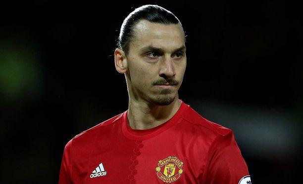 Zlatan Ibrahimovic ei taida uskoa Floyd Mayweathern ja Conor McGregorin kohtaamiseen.