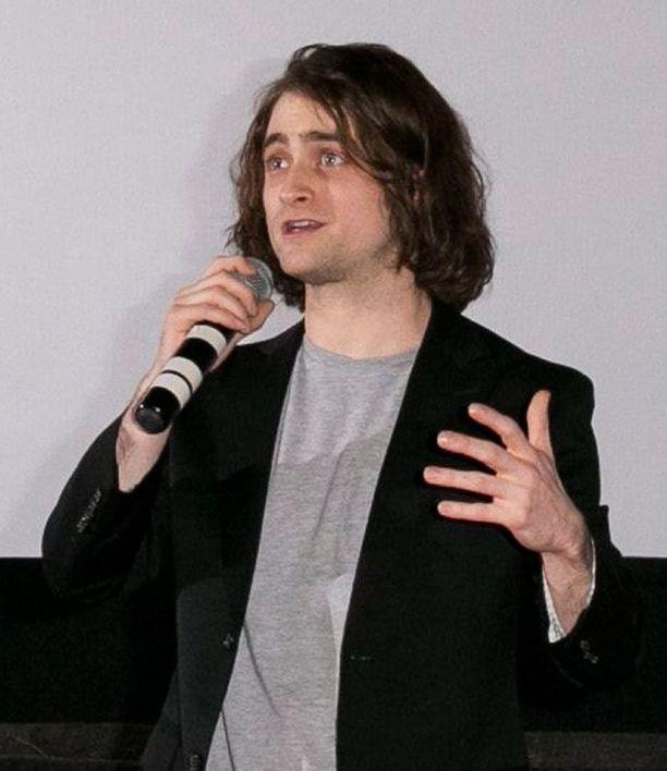 Daniel Radcliffe on nyt pitkine hiuksineen valmis Frankensteinin assistentin rooliin.