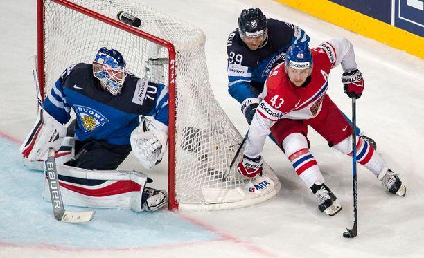 Suomi ei pysynyt Tshekin kyydissä kolmannessa erässä.