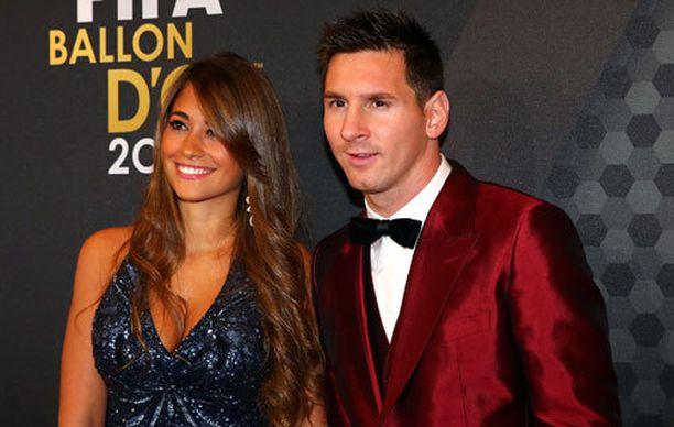 Antonella Roccuzzo on suloisen näköinen naapurintyttö, joka on pitänyt jo pitkään yhtä Argentiinan ja Barcelonan megatähden Lionel Messin kanssa.
