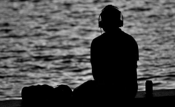 Ihminen voi saada aikaan omilla kuuntelutottumuksillaan myös negatiivisia vaikutuksia.