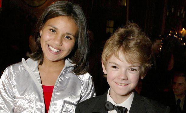 Näin suloisilta lapsinäyttelijät näyttivät vuonna 2003 Rakkautta vain-elokuvan ensi-illassa.