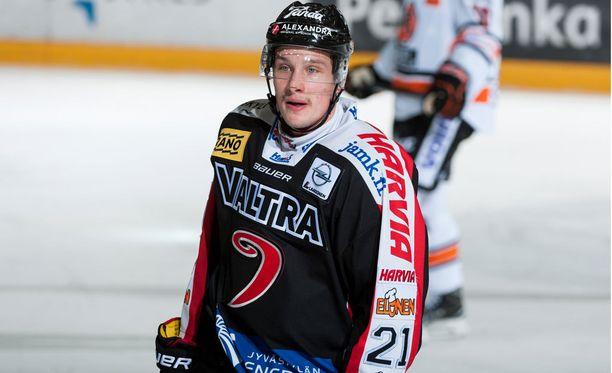 Valtteri Hotakainen pelasi JYPin liigamiehistössä kaudesta 2014-2015 lähtien.