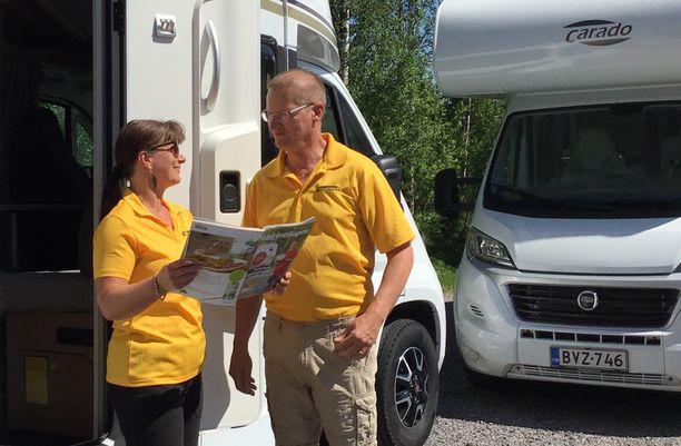 Mirjami ja Henry Gyllenberg ovat ilahtuneita asuntoautomatkailun kasvusta Suomessa.