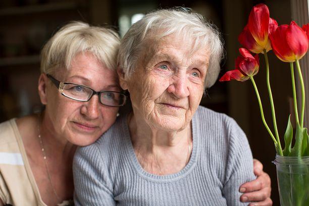 Dementoiva muistisairaus todetaan vuosittain noin 14500 suomalaisella. 70 prosentilla heistä on Alzheimerin tauti.
