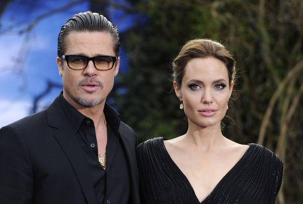 Brangelina-nimelläkin tunnettu superpari Brad Pitt ja Angelina Jolie erosivat vuonna 2016. He ehtivät olla yhdessä yli kymmenen vuotta.