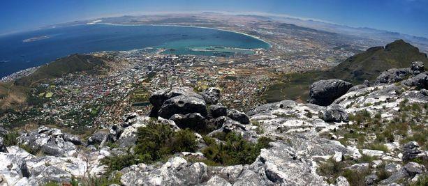 Kapkaupungin Pöytävuori on suosittu turistikohde. Kuvituskuva.