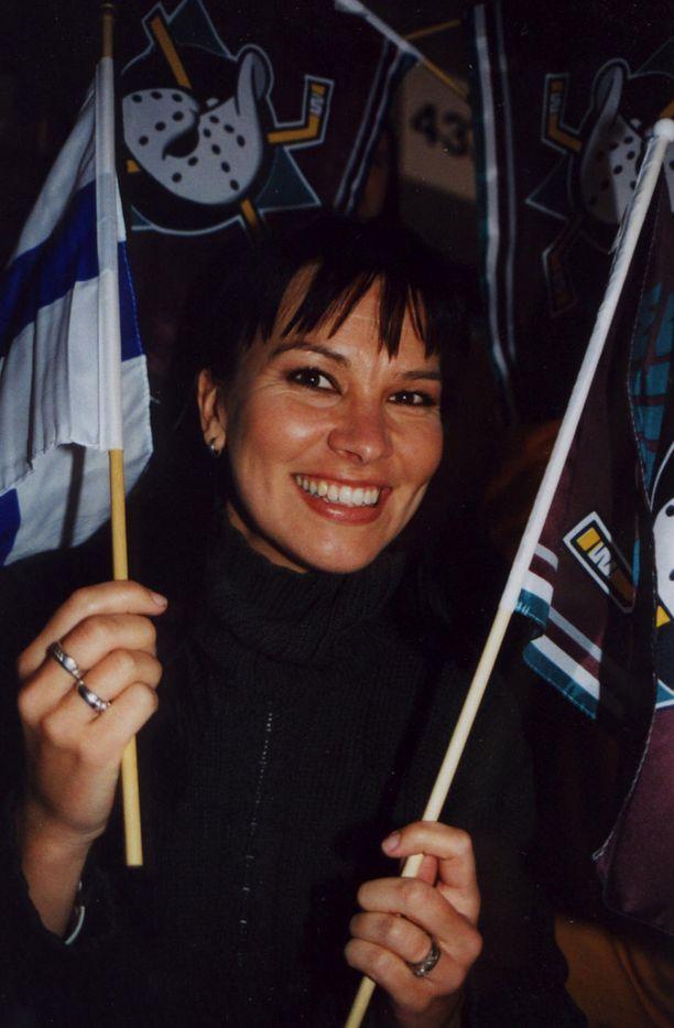 Arja Koriseva pääsi pyhimmästä pyhimpään, Mighty Ducksien pukukoppiin.