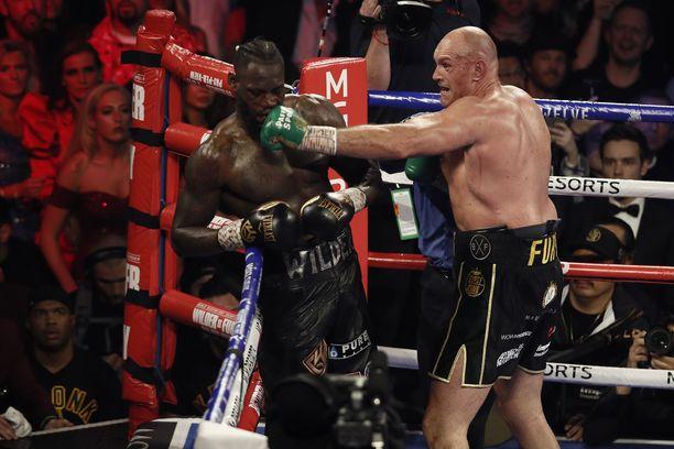 Fury oli ylivoimainen Wilderiä vastaan.