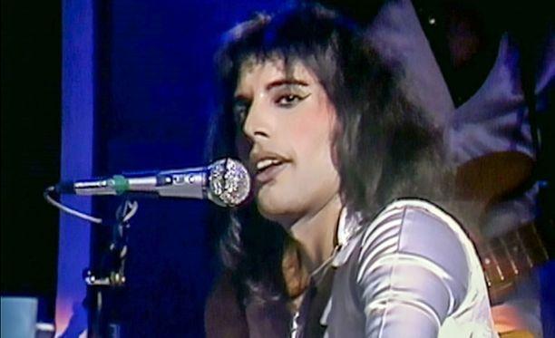 Queen: From Rags to Rhapsody -dokumentissa on paljon arkistomateriaalia, jota ei ole nähty muualla.