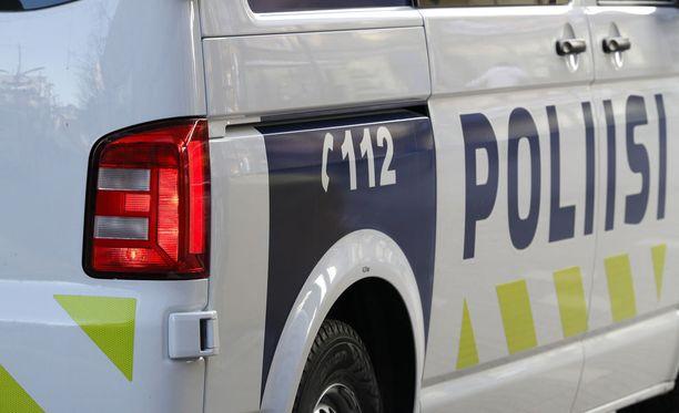 Pieksämäellä huoltorakenus on ollut tulessa, kertoo Itä-Suomen poliisi.