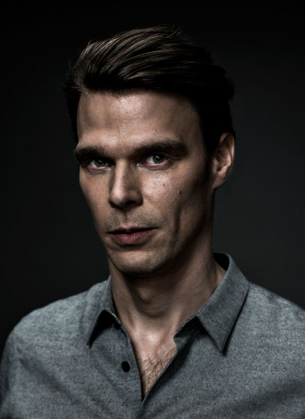 Andrei Alén esittää sotamies Rahikaisen roolin.