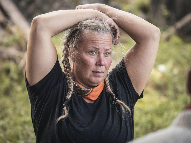 Selviytyjät Suomen kuvauksissa kilpailijoiden ja työryhmän ruumiinlämpö mitattiin päivittäin. Niin Johanna Pakosenkin kuumeilu havaittiin.