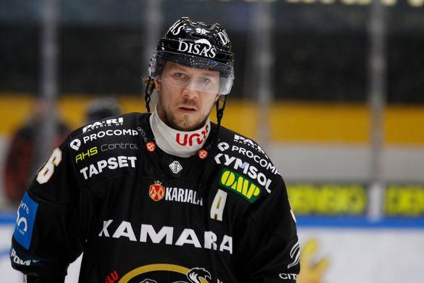 Jussi Jokinen palasi Oulun Kärppiin viime kaudeksi.