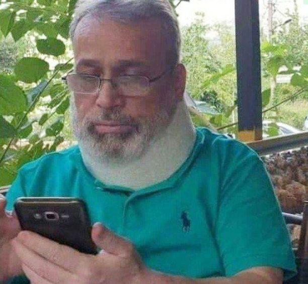 Mediassa levitetty päiväämätön kuva Aziz Asbarista.