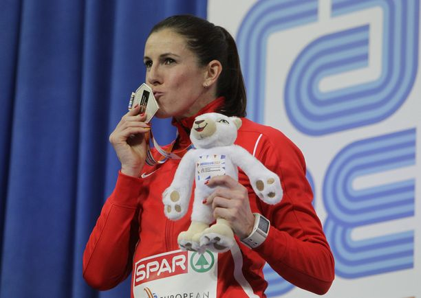 Zuzana Hejnova on 400 metrin aitojen maailmanmestari.