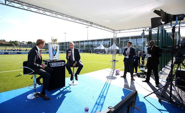 Sky Sportsin studiossa seurataan taas ensi viikon alussa siirtoikkunan viimeisiä hetkiä.