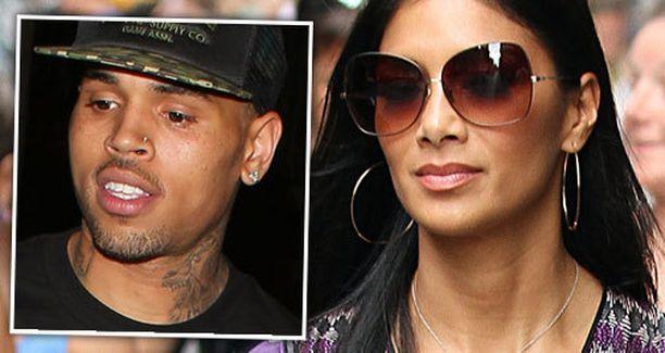 Chris Brownin ja Nicole Scherzingerin mahdollisesta romanssista alettiin huhuta paparazzin saatua parista yhteiskuvia.