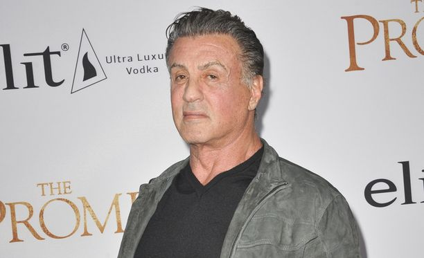 Sylvester Stallonen ympärillä kuohuu.