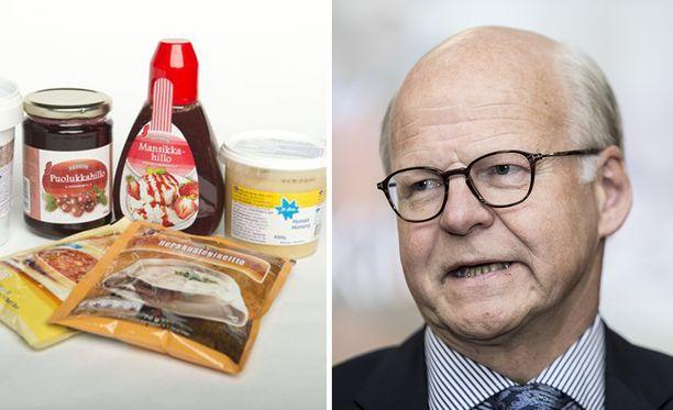 Vuorineuvos Reijo Karhisen mielestä yksi ratkaisu private label -tuotteiden aiheuttamaan ongelmaan olisi avoimet asiakastiedot.